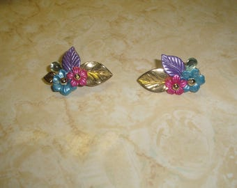 vintage clip on earrings colorful lucite flowers leaves goldtone