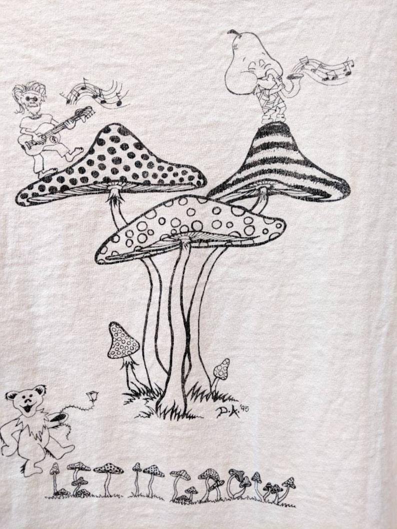 Vintage 1995 90s GRATEFUL DEAD Skull Mushroom Steal Your Fungus Parking Lot T Shirt