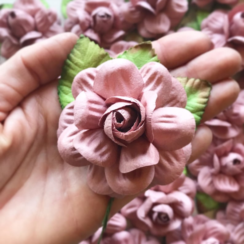 Brilliant Mauve Paper Flowers Diy Wedding Flower Backdrop Wall Mauve Wedding Flowers Wedding Centerpieces For Tables Dusty Rose Wedding Decor Interior Design Ideas Gentotryabchikinfo
