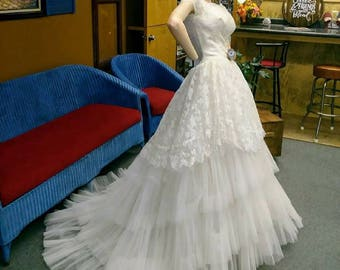 085be17861f86 1950 s vintage Wedding dress long Ruffled Tulle Designer Edyth Vincent