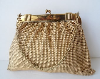 Vintage HANDBAGS  Vintage Whiting and Davis Evening Bag Bubble Mesh Gold Whiting and Davis Chain Purse 1940s Whiting and Davis Evening Purse