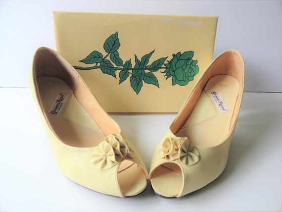 YELLOW Kitten Heal Pumps|Vintage Yellow Shoes|Vega