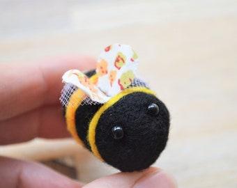 Bumblebee Felt Brooch Pin - Needle Felted White Tailed Bumblebee Jewellery