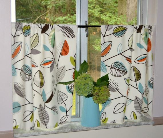 Kitchen Cafe Curtains . Leaf Tiers . Covington Carson Fiesta Leaf Design .  Off White Background . Camper Curtains
