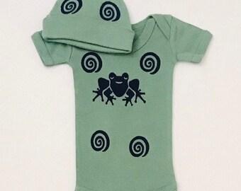 3mo Green Frog Onesie Set, New Baby Gift, Boy Baby, Shower Gift,  Frog Onesie Set, Green Frog Gift, Newborn Boy, inkybinkybonky