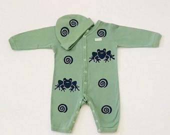 6mo Green  Frog Sleeper Hat Set, Newborn Boy Footie,  Boy Coming Home, Boy Baby Gift, New Baby Boy, Unisex Baby Gift, Frog Outfit, Sleeper