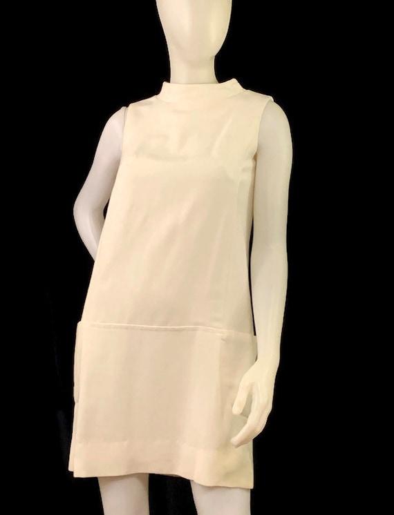 60s MOD White Sleeveless Mini Dress,  Vintage 196… - image 6