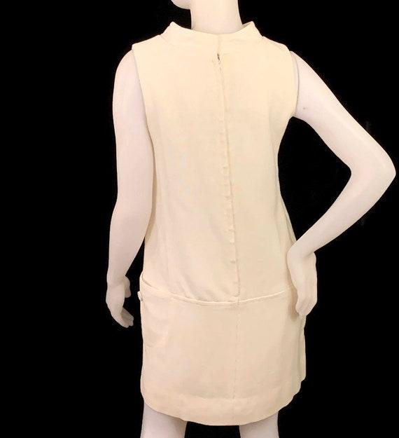 60s MOD White Sleeveless Mini Dress,  Vintage 196… - image 3