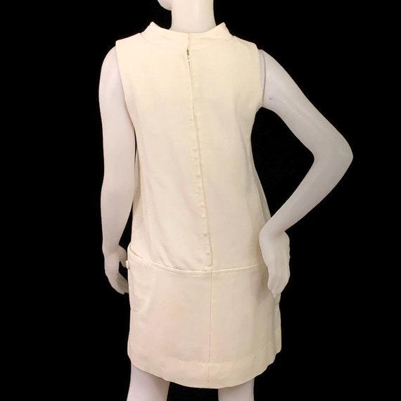 60s MOD White Sleeveless Mini Dress,  Vintage 196… - image 2