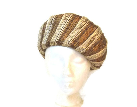 1960s Brown and Cream Raffia Hat with Pom Pom, Vin