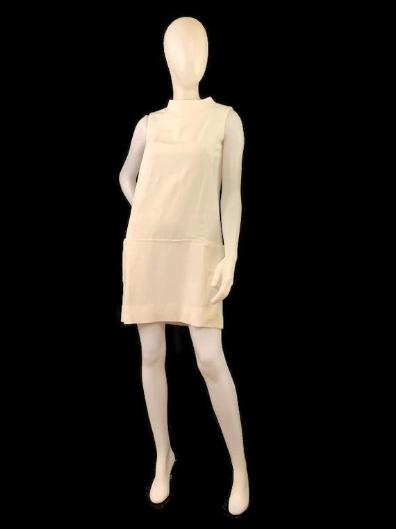 60s MOD White Sleeveless Mini Dress,  Vintage 196… - image 5