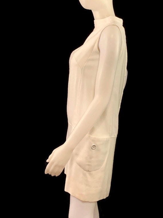 60s MOD White Sleeveless Mini Dress,  Vintage 196… - image 8