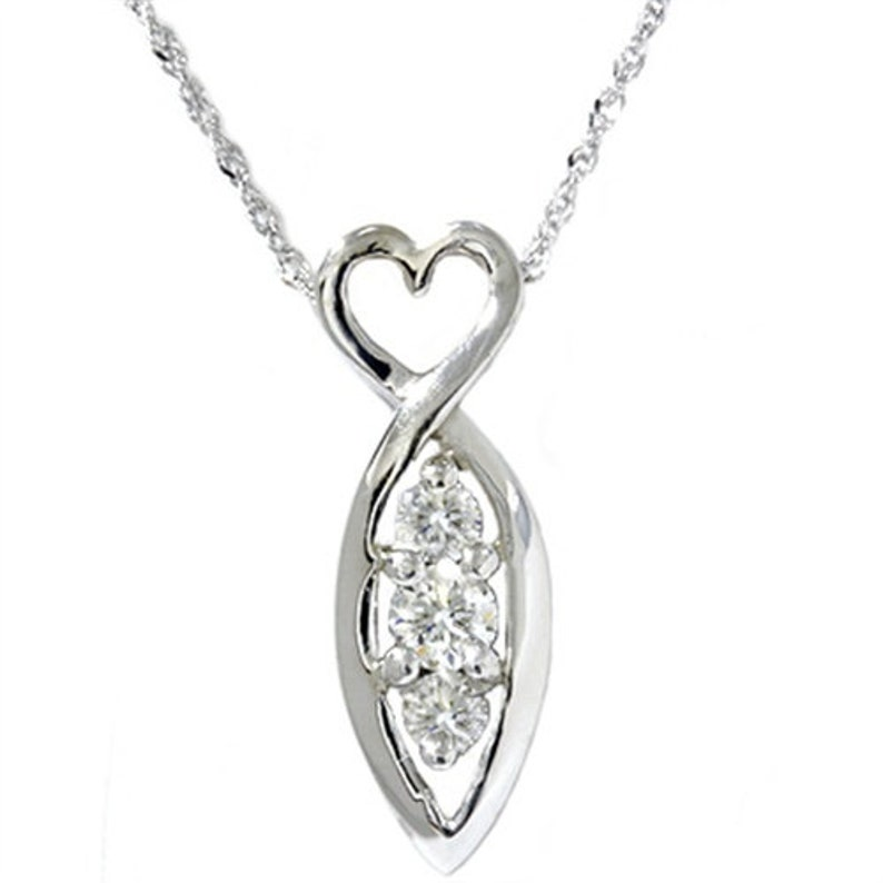 Solid 14K Gold Round 3-Stone .25ct Pendant Setting