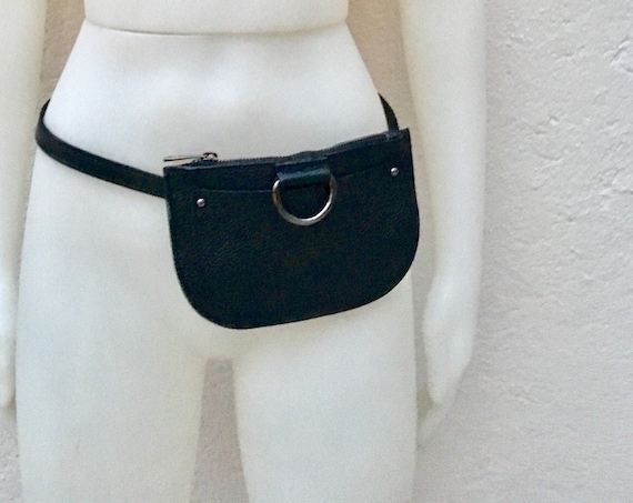 FANNY pack in black leather. Cross body bag bum pack bag in GENUINE  leather. BLACK bag with adjustable strap and zipper