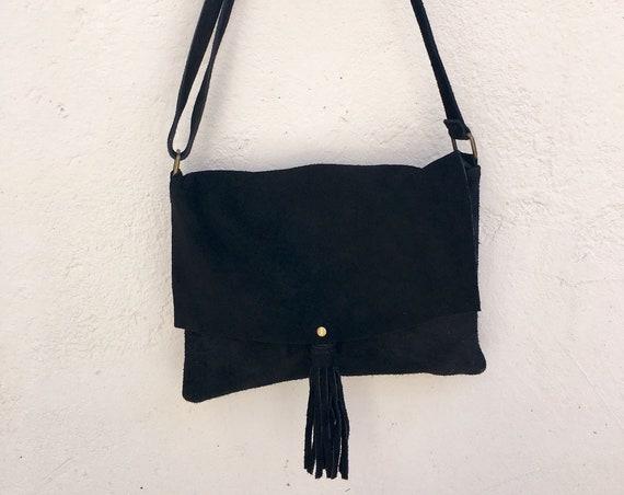 BOHO bag in  suede, genuine cross over bag in black. Natural leather bag. BLACK messenger bag , boho festival bag