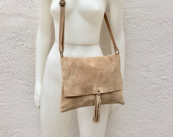 Cross body bag. BOHO suede leather bag in beige. Messenger bag in soft  genuine suede leather. Crossbody bag in beige suede.