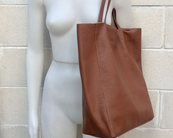 Tote leather bag in CAMEL brown. Soft natural GENUINE  leather bag.  Large brown leather bag. Computer bag, , Laptop bag. With ZIPPER.