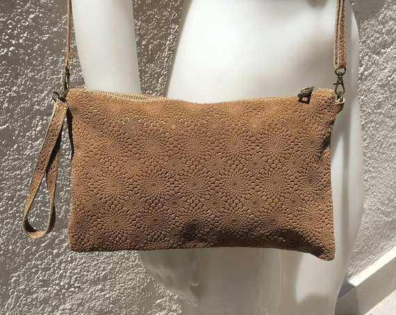 Dark BEIGE crossbodybag in  genuine leather.  ENGRAVED suede leather bag,  removable wristlet and adjustable strap. Light brown  suede bag