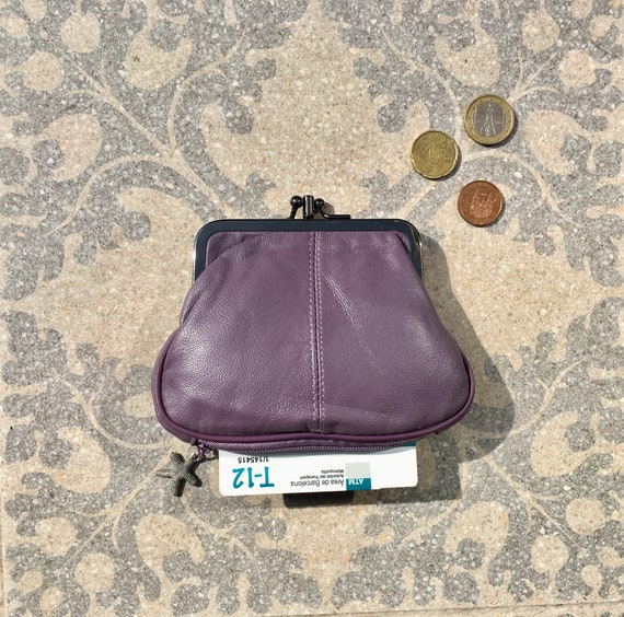 Kiss lock wallet in PURPLE, genuine leather. Small vintage style purse for coins, bills and a separate zipper for cards.PURPLE grandma purse