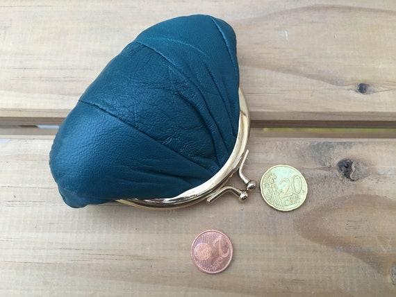 Small coin purse. Genuine leather purse in BLUE. Retro clip purse in sift blue leather