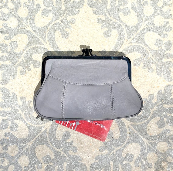 Genuine leather clip purse in GRAY. Kiss lock coin purse. Retro inspired new leather purse. Clip clasp and separate zipper