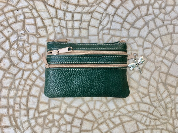 Coin purse with zippers in DARK GREEN. Genuine leather. Small wallet for credit cards, coins and notes. Soft GREEN leather.