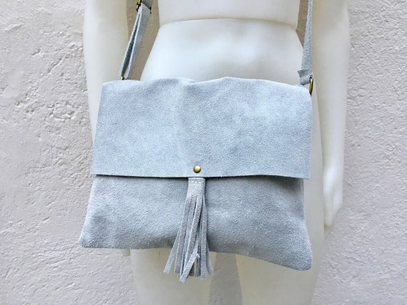 Cross body bag. BOHO suede leather bag in LIGHT GRAY. Soft genuine suede leather. Cross body, messenger bag in grey suede. Soft  suede bags
