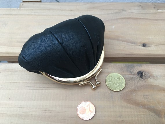 Small coin purse. Genuine leather purse in BLACK . Retro clasp coin purse. BLACK Kiss lock purse. Retro style purses.