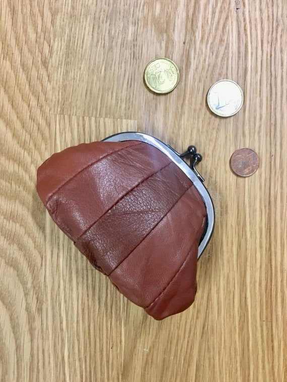 Small  coin purse. Genuine leather purse in BROWN. Retro purse in soft BROWN leather. Kiss lock coin purse. Retro style purses