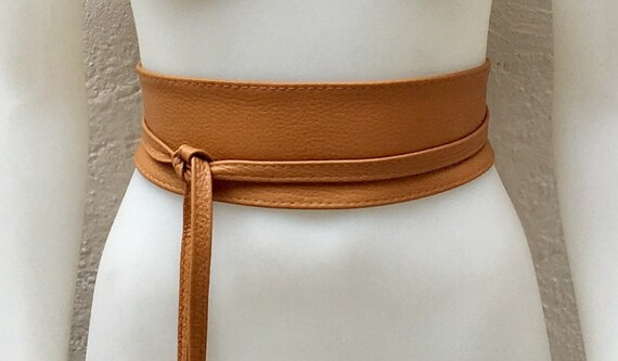 Obi belt in soft leather. Wrap belt in brown. Waist belt in saddle brown. TAN color wraparound belt. Saddle brown sash. Ibiza boho belts