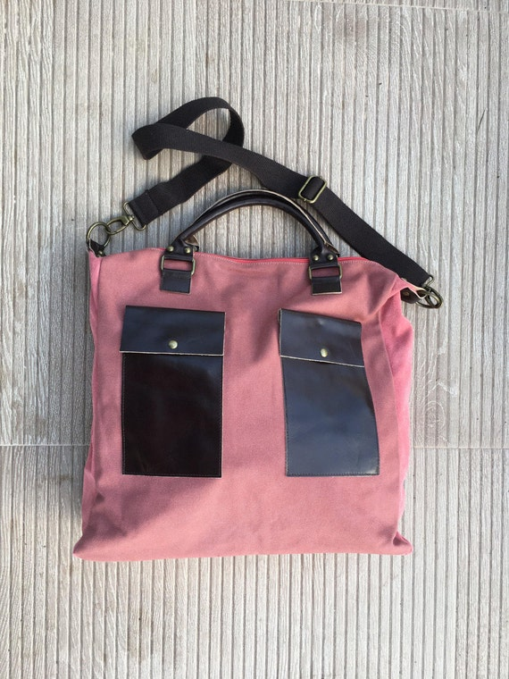 Large TOTE bag in red canvas and genuine leather. Adjustable strap. Messenger bag, cross over bag. Pink suede bag. Laptop, school bag.