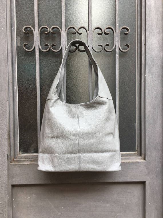 Large TOTE leather bag in GRAY.  Genuine leather SLOUCH bag. Boho bag. Gray shoulder bag closed by a zipper.