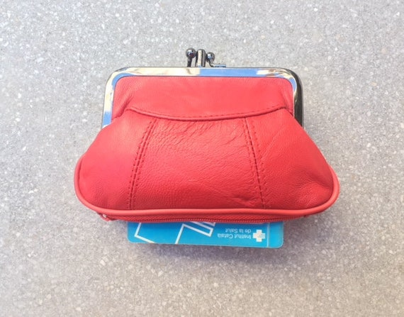 Vintage style small clip purse in genuine leather. CORAL red clip wallet for coins, notes and separate zipper for credit cards.