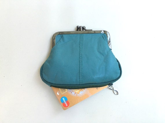 Genuine leather clip purse in blue. Small kiss lock purse. Retro style wallet in turquoise. Blue purse with separate zipper for cards.