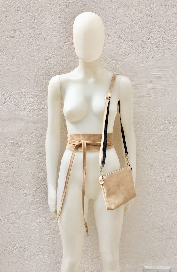 Small suede  bag in BEIGE  with matching belt. Cross body bag and OBI belt set in suede leather. Adjustable strap and zipper
