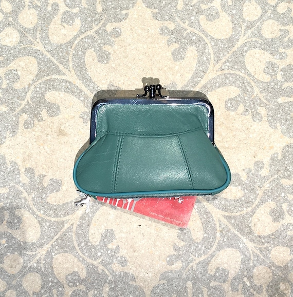 Clasp coin purse in BLUE genuine leather. Small vintage style wallet for coins, bills and a separate zipper for credit cards. Blue purse