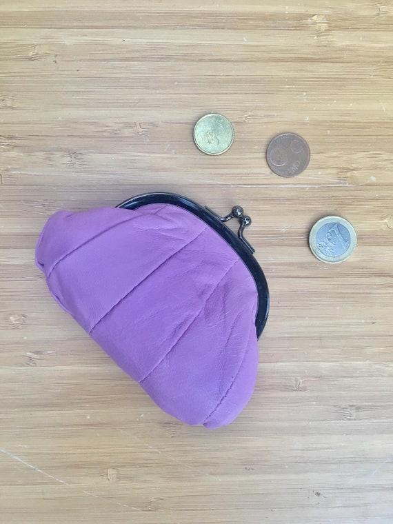 Small coin purse. Genuine leather purse in light PURPLE. Retro clip purse in soft MAUVE leather. Kiss lock coin purse. Retro style purses
