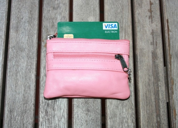 Genuine leather coin purse in PINK. Small leather pouche closed by zippers with metallic INFINITY charm. Coin, bill and card holder