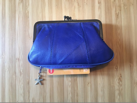 Genuine leather kiss lock  purse in blue. Cobalt leather purse, clip purse in soft BLUE leather. Blue wallet with metallic clasp.