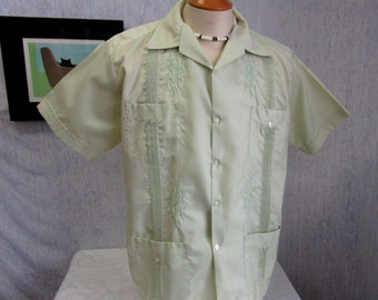70s L 42 Guayabera Centenario Nylon Men's S/S Shirt Light Green