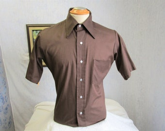 """70s 15 1/2"""" 417 Van Heusen Men's Big Collar S/S Tapered Shirt Brown"""