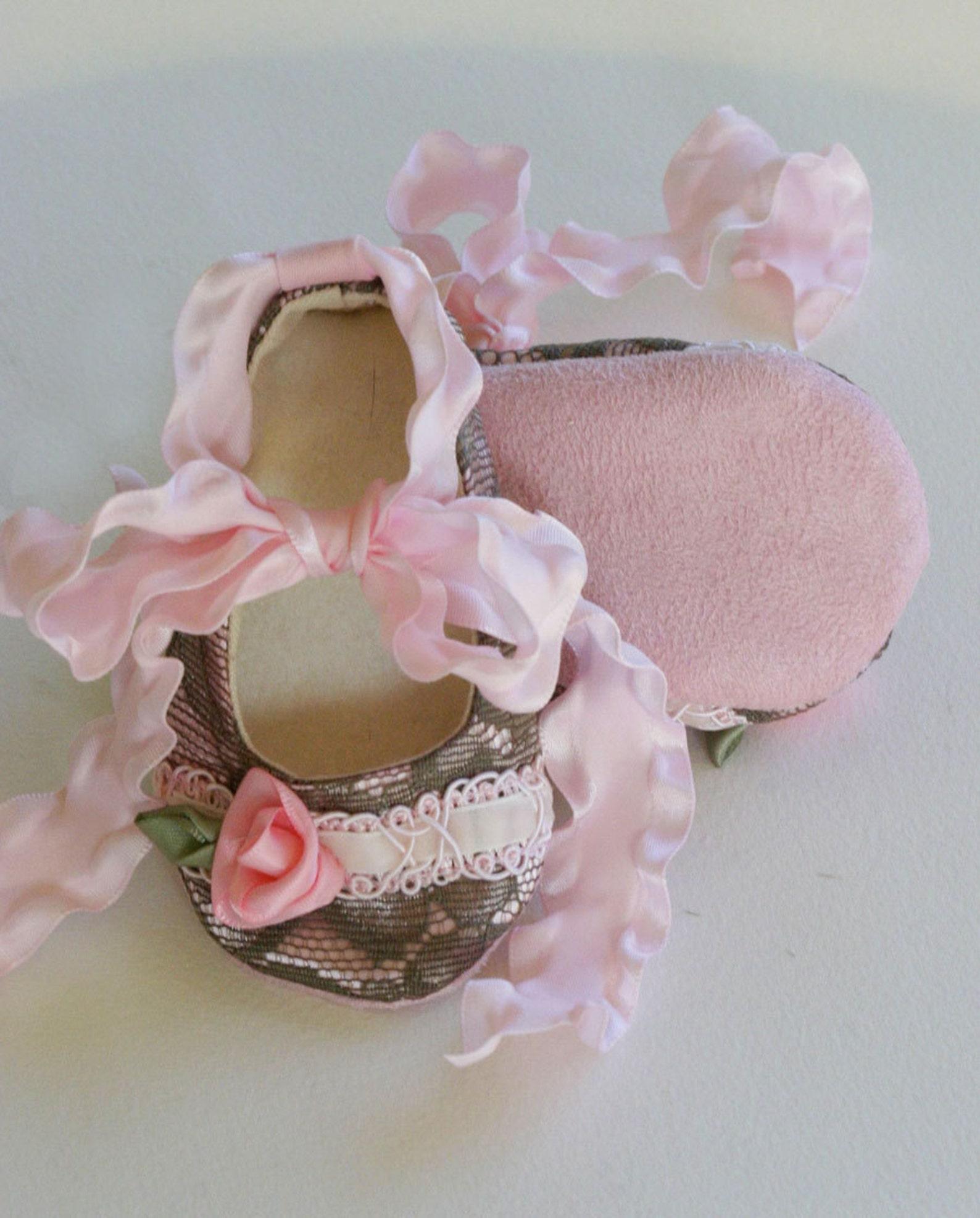 lace baby bootie, pink baby crib shoe, shower gift toddler ballet flat, baby ballet slipper, flower girl shoe, handmade baby sho