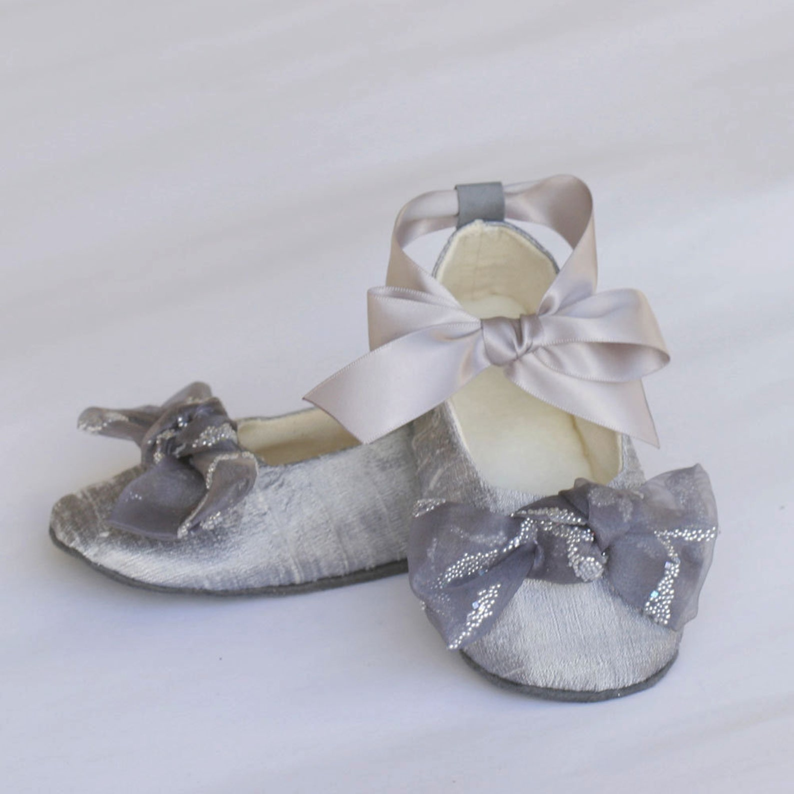 silver silk flower girl shoe, platinum toddler ballet slipper, silk baby shoe, ballet flat, little girls wedding shoe, bootie, b
