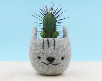 Cute plant pot | Cat gift, cat lover, cat planter, gift for her, Felt succulent planter, Neko Atsume, Grey cat vase, Kawaii kitty gift
