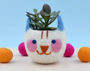 Maneki neko, Cat lover, cute planter, Succulent Planter, birthday gift, indoor planter, animal planter, lucky cat, crazy cat lady