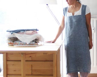 Crossback linen apron, linen pinafore, Japanese apron, criss cross linen pinafore. Plus size clothing. Sustainable apparel, made in Italy.