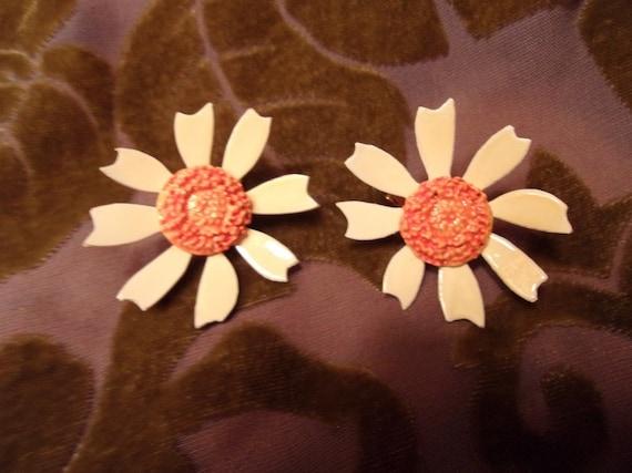 Yellow Daisy Clip On Earrings 1960's