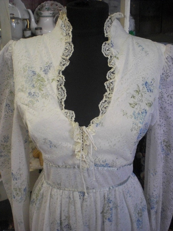 White And Blue Gunnie Sax Style Prairie Dress