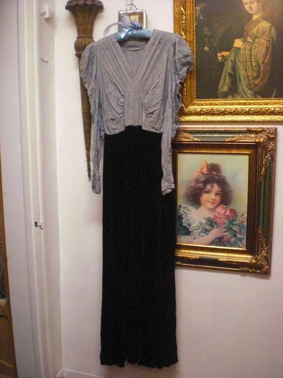 1930s Purple Silk And Black Velvet Dress