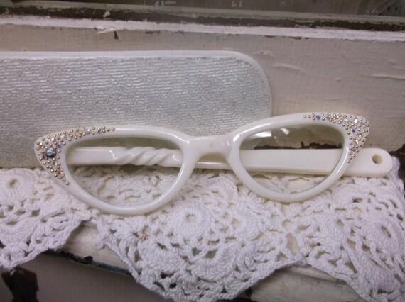 Folding Cat Eye Glasses